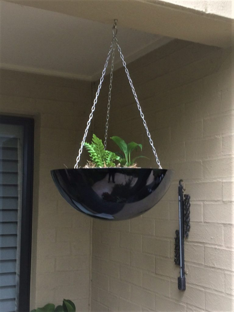 HANGING FIBREGLASS POT